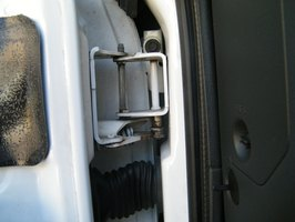 How To Fix Chevy S 10 Door Hinges 4 Steps Ehow