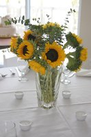 Centerpiece ideas for men ehow - Centerpiece ideas for men ...