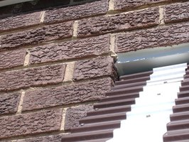 How To Cover Exterior Brick With Texture Paint Ehow