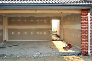 the average cost per square foot of a concrete garage