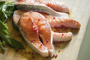 How to tell when fish goes bad ehow for Raw fish food poisoning