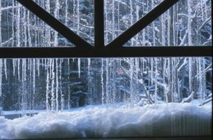 Temporary window treatments for cold weather ehow for Windows for cold climates