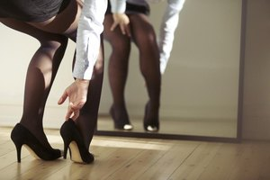 Are Wedding pantyhose etiquette