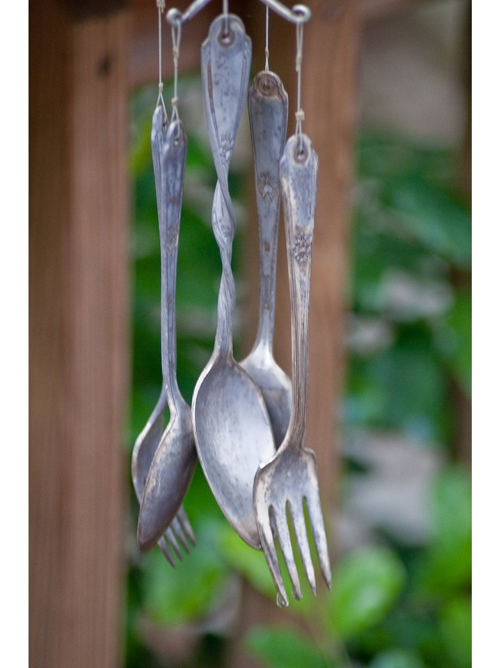 http://www.ehow.com/way_5489055_diy-windchimes.html