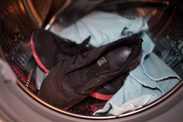 how to wash sneakers in a front load washer with pictures