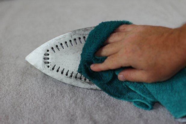 how to clean an iron bottom jpg 853x1280