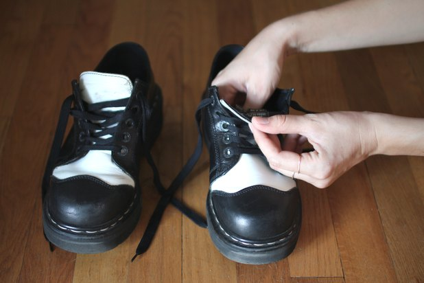 Home Remedy to Stretch Shoes (with Pictures)