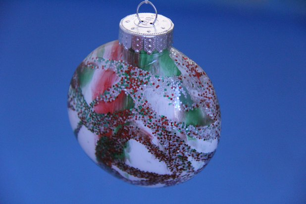 Using clear plastic (or glass) ball ornaments to decorate your Christmas tree is inexpensive. It allows almost every member of the family to be involved in the creativity of .