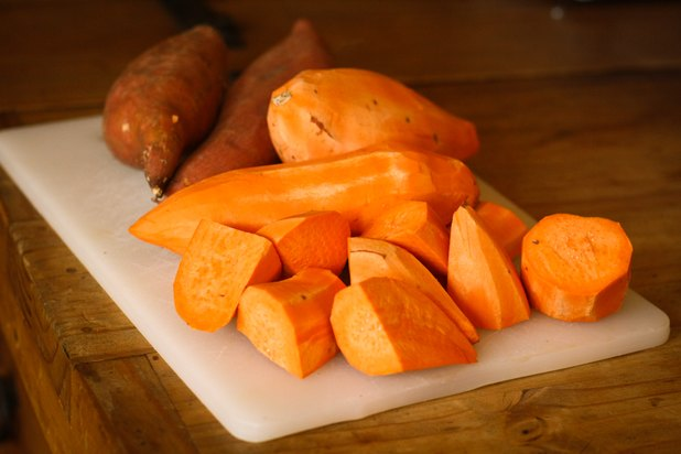 How To Make Candied Sweet Potatoes With Marshmallows And