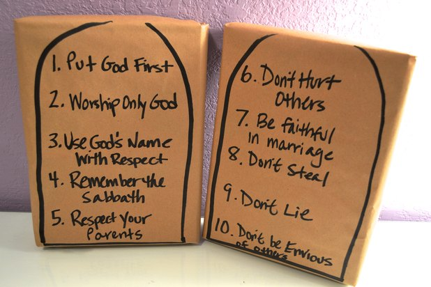 Ten commandments crafts for kids with pictures ehow for Ten commandments crafts for preschoolers