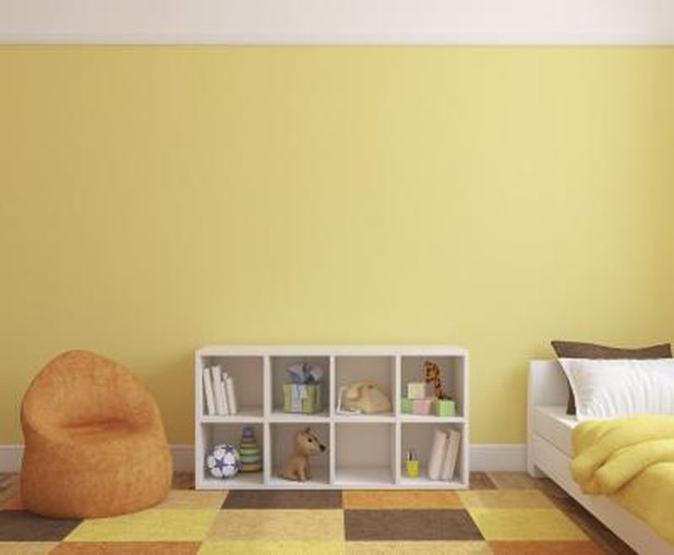 what colors go with taupe with pictures ehow. Black Bedroom Furniture Sets. Home Design Ideas