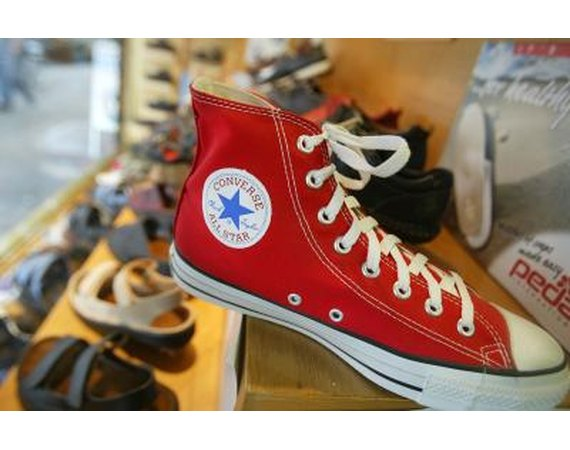 379e8a1a11f3 How to Tie Double Layered Converse Shoes ~ Women Shoes Advisory