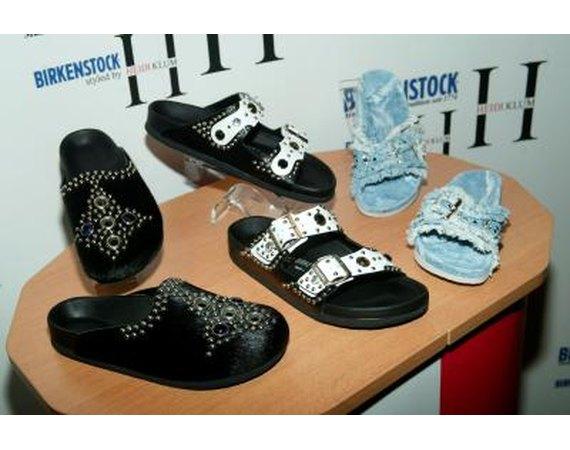 Earth Shoes Vs. Birkenstock