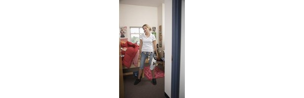 How to hang twinkle lights in a dorm room 4 steps ehow - How to hang lights in room ...