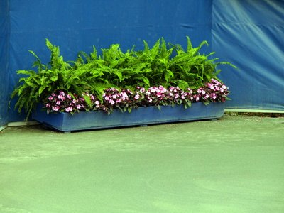Plans for Making Concrete Planters | eHow