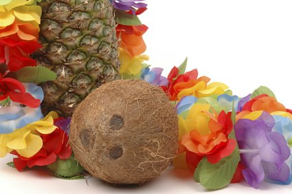 Easy to Make Luau Decorations http://www.ehow.com/facts_7181050_homemade-luau-party-decorations.html