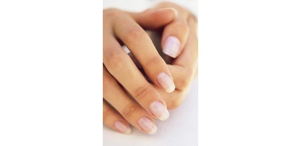 What Causes Glossy Fingernails? thumbnail