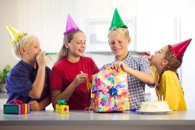 games to play at a party 12-year-olds