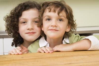 Tips on Respectful Relationships Among Siblings thumbnail
