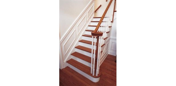 How to Replace an Interior Stair Bannister thumbnail
