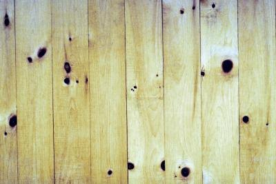 How to Seal Knotty Pine Walls Before Painting thumbnail