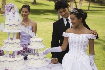 How To Decorate For A Quinceanera Reception