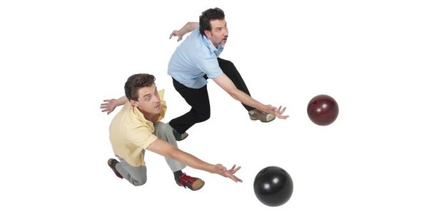 A Roll Vs. a Flip in Bowling thumbnail
