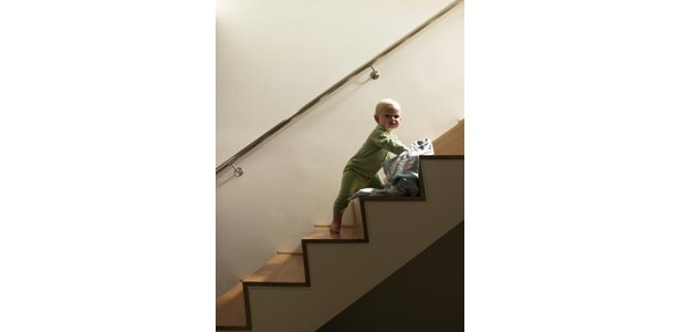 How to Anchor a Stair Banister to the Wall thumbnail