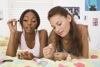 Sleepover Party Ideas for Teenagers thumbnail Teen sleepovers can go beyond ...