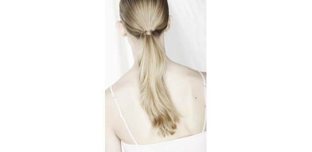 How to: Fashion Ponytails for Fine Hair thumbnail