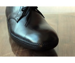 the best way to stretch patent leather shoes with