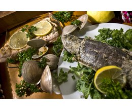 Fish cooking temperature with pictures ehow for Cooking temp for fish