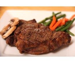 How to Cook a Delmonico Steak Cut (Photo: Ron Bennett/Demand Media)