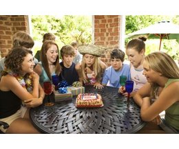 17th birthday party (Photo: Thinkstock/Comstock/Getty Images)
