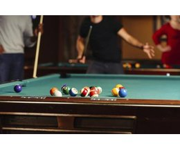 How much space do you need around a pool table ehow - How much room do i need for a pool table ...