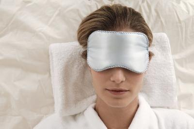 How to Get Rid of Bloating & Puffy Eyes