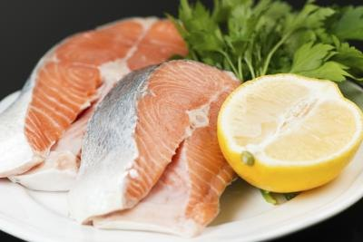 Signs symptoms of fish allergy with pictures ehow for Can you be allergic to fish