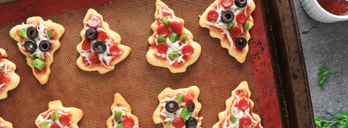 How to Make Mini Christmas Tree Pizzas