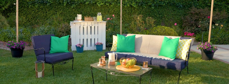 5 Easy Outdoor Hosting Tips for Summer
