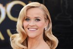 10 Tasty & Nutritious Smoothie Recipes to Get Reese Witherspoon's Clear Skin