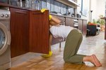 How to Remove Smells From Cabinets