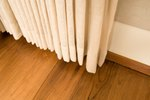How to Cover a Staircase With Drapes