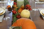 Set the Perfect Thanksgiving Table (Free Place Card Printable Included)
