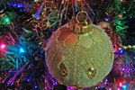 How to Make Victorian Christmas Tree Glass Ornaments