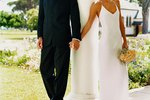 How to Make Columns for Wedding Decorations from Carpet Tubes