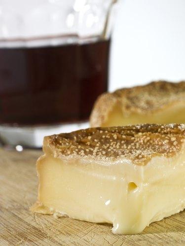 Époisses de Bourgogne French cheese