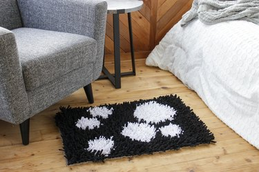 Rug making is a relaxing way to create a beautiful no-waste project. Your friends will be shocked when you tell them that you created this mod, shag rug from old t-shirts.