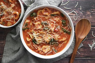One-pot creamy tortellini soup