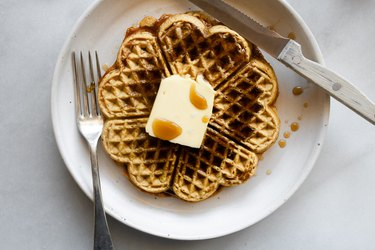 These waffles are so cozy, spiced, and delicious for fall!