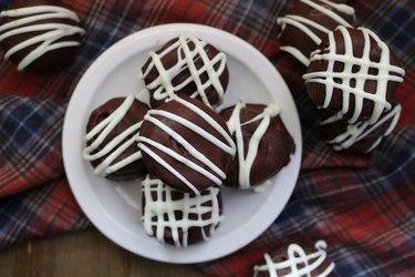 Gingersnap cookie truffles